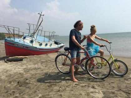 7 razones por las que el video de <em>La Bicicleta</em> con Shakira y Carlos Vives ser&aacute; tu favorito (+ Video)