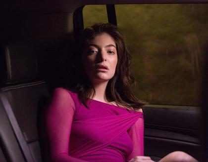 Escucha <em>Green Light</em>, la nueva canci&oacute;n de Lorde que te pondr&aacute; a bailar (+ Video)