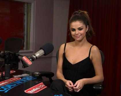Selena Gomez regres&oacute; a <em>Disney</em> y no podr&iacute;a estar m&aacute;s feliz al respecto &iexcl;M&iacute;rala!