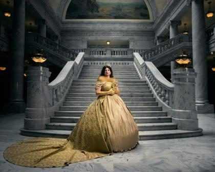 Fotógrafo reimagina princesas Disney como rainhas
