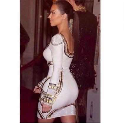 Kim Kardashian aparece mais magra em foto antiga
