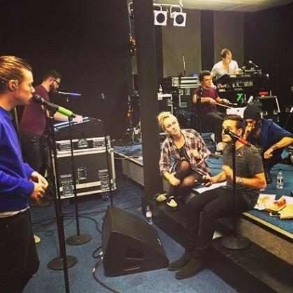 One Direction canta los primeros versos del sencillo benéfico para luchar contra el ébola (+ Video)