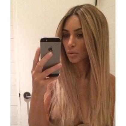 ¡Kim Kardashian volvió a unirse al bando de las rubias! (+ Fotos)
