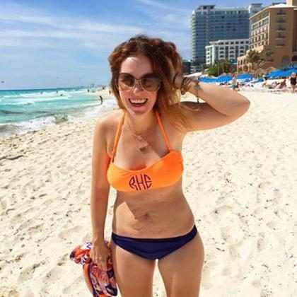 Foto de mulher de biquíni com marcas da gravidez se torna viral
