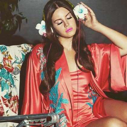 Lana Del Rey lança a música Coachella – Woodstock In My Mind