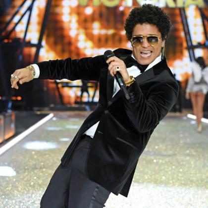 WTF! ¡Charly García asegura que Bruno Mars le debe un millón de dólares! ( + Video)