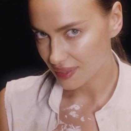 ¡Alerta megahot! Irina Shayk recreó una de la escenas más sensuales de la historia del cine (+ Video)