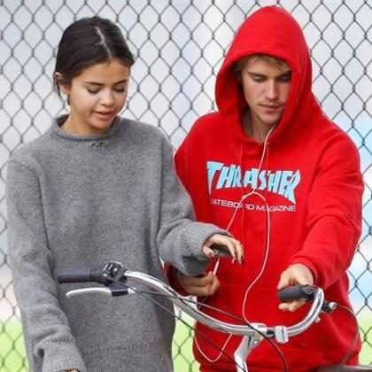 Fãs de Selena Gomez não estão felizes com atitude de Justin Bieber