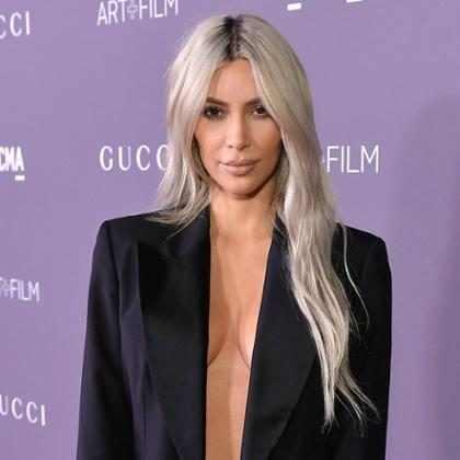 Kim Kardashian faz chá de bebê para terceiro filho
