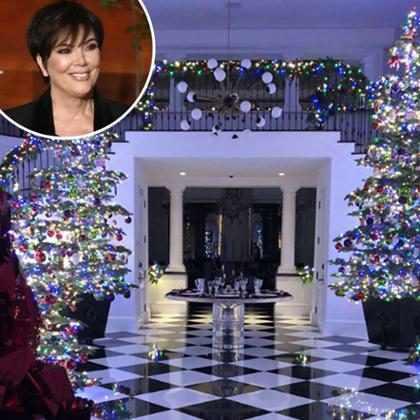 Kim Kardashian mostra decoração de Natal da casa de Kris Jenner