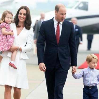 El príncipe William, Kate Middleton, el príncipe George y la princesa Charlotte deslumbran en la tarjeta de Navidad 2017