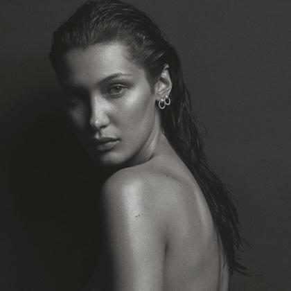 Bella Hadid faz topless em ensaio sexy para revista