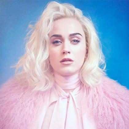 Katy Perry grava recado em português e fãs piram na web