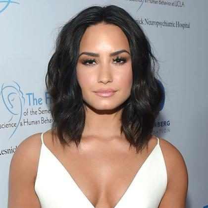 Demi Lovato manda recado para hacker e lembra que já posou nua por escolha