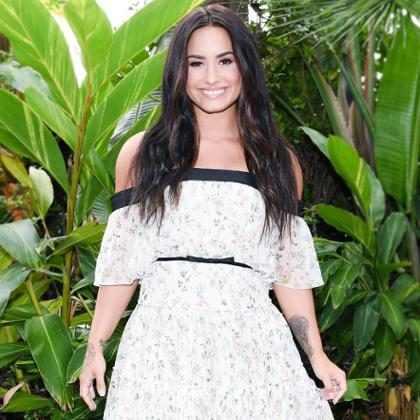 Demi Lovato lança coleção de roupas fitness