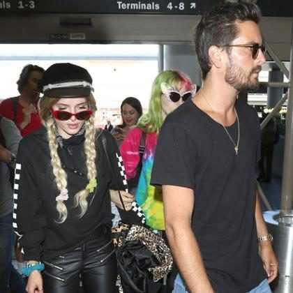 Bella Thorne diz que não aguentou festejar com Scott Disick em Cannes