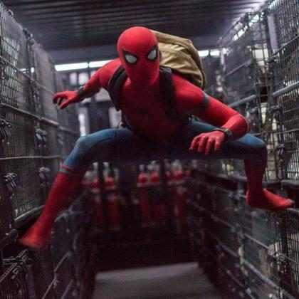 Tom Holland e Zendaya estrelam novo trailer de Homem-Aranha: De Volta ao Lar