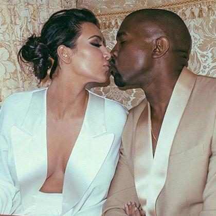 Kanye West surpreende Kim Kardashian com nuvens de flores