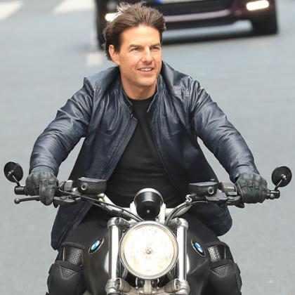 Gravações de Missão Impossível 6 param após Tom Cruise se machucar