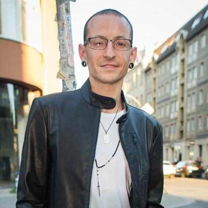 Chester Bennington, vocalista do Linkin Park, é encontrado morto