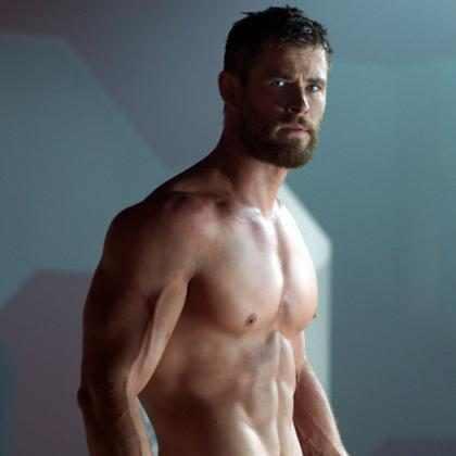 """Mira por qué Chris Hemsworth quedó """"extrañamente impresionado"""" al conocer a Chris Pratt"""