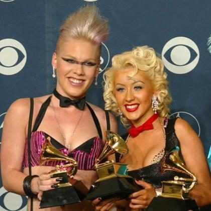 ¿Por qué los fans de Christina Aguilera están criticando tanto a Pink?