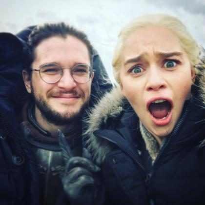 Jon Snow imita dragão em vídeo hilário de Emilia Clarke