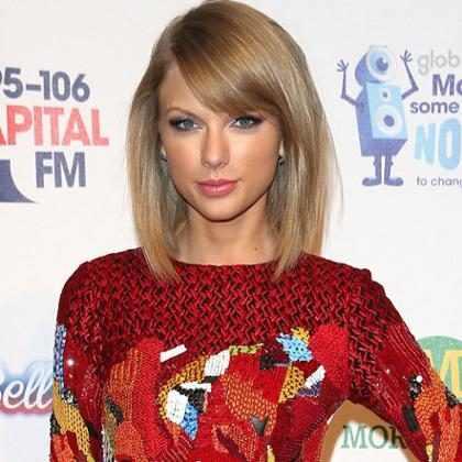 Así fue cómo Taylor Swift agradeció a estos fans su durante su juicio por acoso ¡Mira!