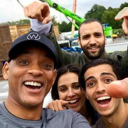 Will Smith mostra primeira foto com elenco do live-action de Aladdin