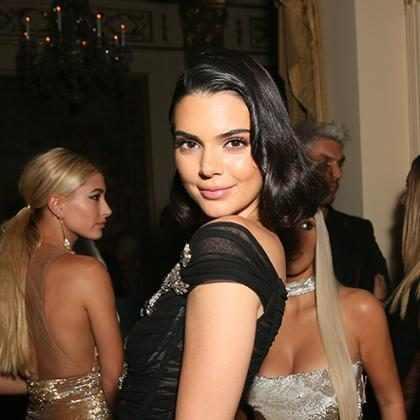 Kendall Jenner supera Gisele Bündchen e se torna modelo mais bem paga em 2017