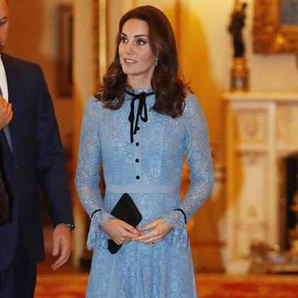 Kate Middleton exibe barriguinha da terceira gravidez pela primeira vez
