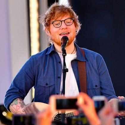 Ed Sheeran se lesionó el brazo en un accidente y podría poner en riesgo el futuro de su gira