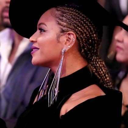 Esto fue lo que usó Beyoncé para lograr sus fabulosas cejas en los Grammys