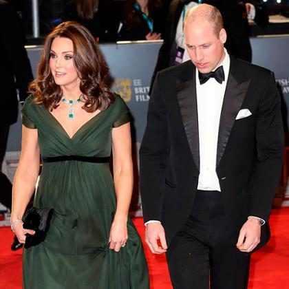 Kate Middleton mostra barriga de grávida no tapete vermelho do BAFTA 2018