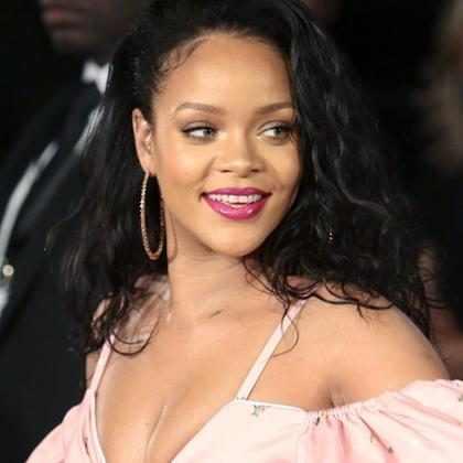 Rihanna faz homenagem para sua mãe em seu aniversário