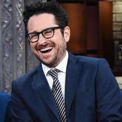 J. J. Abrams anuncia que já tem roteiro para Star Wars: Episódio IX