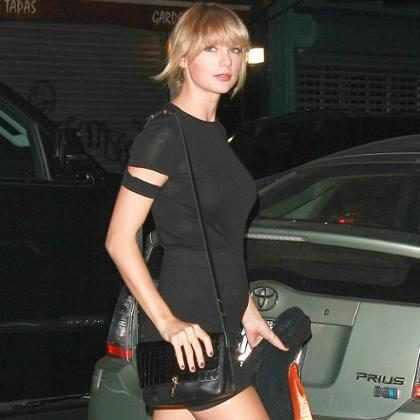 Taylor Swift quebra recorde de vendas com álbum Reputation