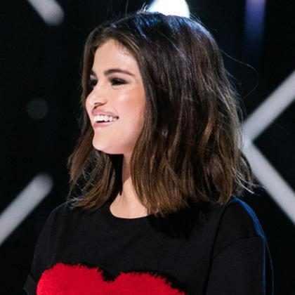 Selena Gomez lançará coleção de roupas com a marca Coach
