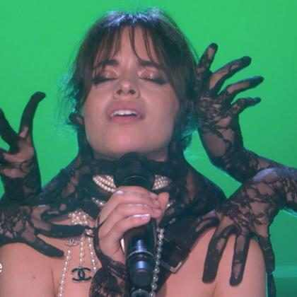 Mira la poderosa presentaci&oacute;n de Camila Cabello interpretando <em>Never Be the Same</em> en TV
