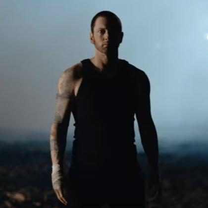 Eminem comemora 10 anos de sobriedade