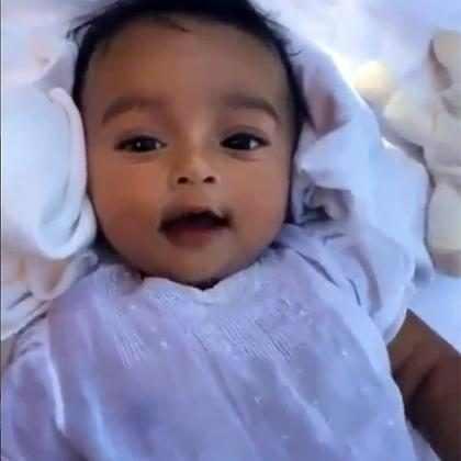Kim Kardashian celebra 3 meses de Chicago West com vídeo fofo na web