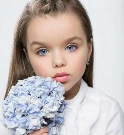 Menina russa de 6 anos é considerada a mais bonita do mundo
