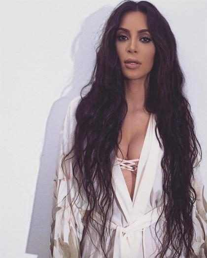 As&iacute; fue como Kim Kardashian se transform&oacute; en un delicioso y sexy <em>emoji</em> (+ Video)