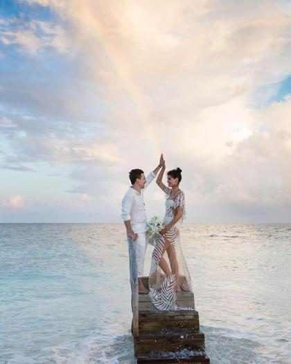 As fotos do casamento de Isabeli Fontana e Di Ferrero nas Maldivas