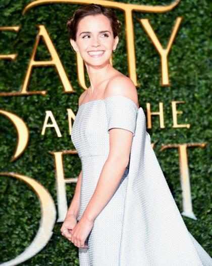 Emma Watson prova que é uma princesa real em première de A Bela e a Fera