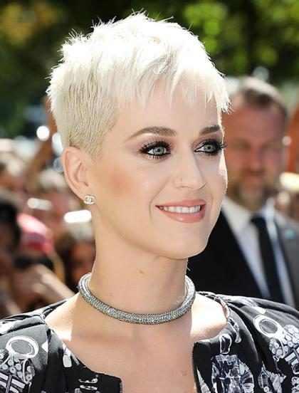 Katy Perry vem ao Brasil em março de 2018, segundo colunista