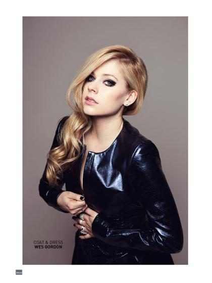 Avril Lavigne quer gravar CD de Natal