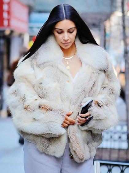 Kim Kardashian presta testemunho sobre assalto em Paris