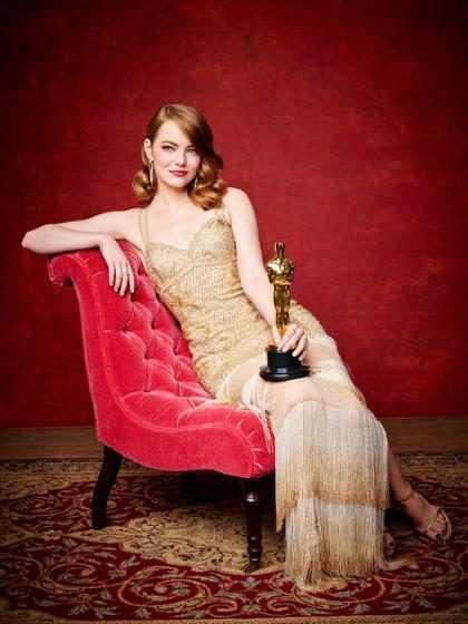 OMG! No creerás cuánto tiempo tomó hacer el vestido que Emma Stone lució en los Oscars (Foto + Video)