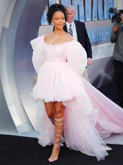 Rihanna en el estreno de <em>Valerian and The City of a Thousand Planets</em> en Los &Aacute;ngeles